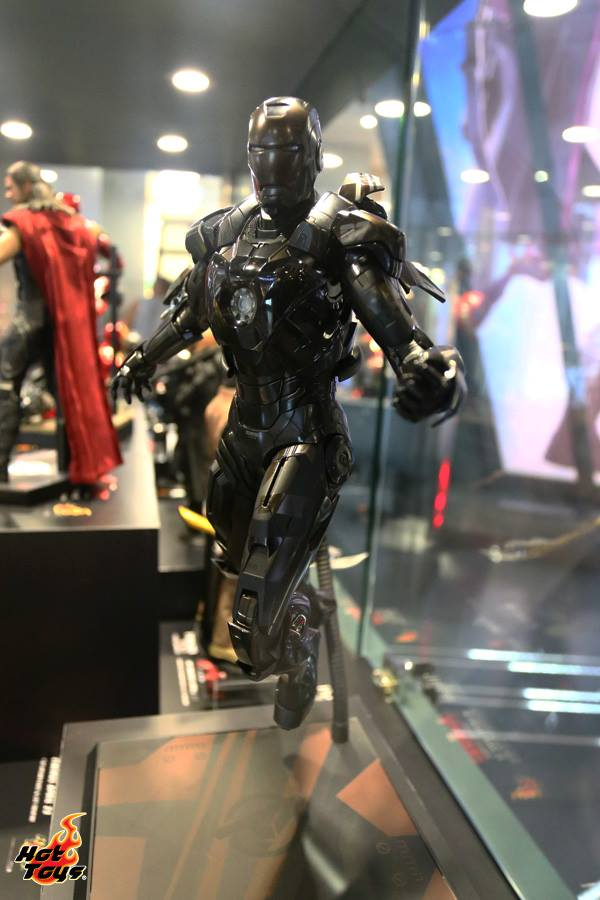 hot-toys-avengers-age-of-ultron-exhibition-12