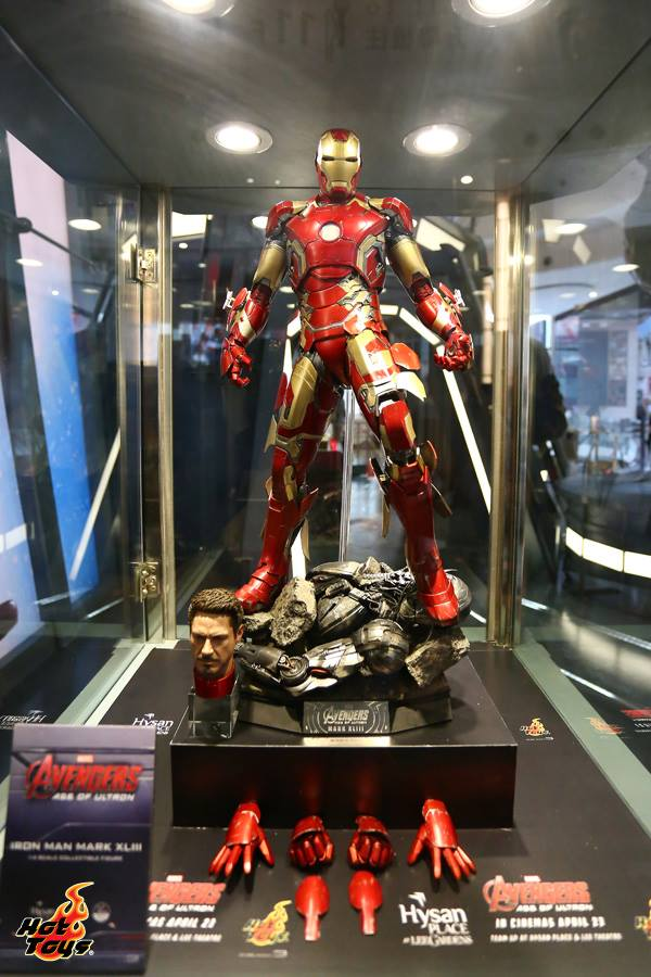 hot-toys-avengers-age-of-ultron-exhibition-16