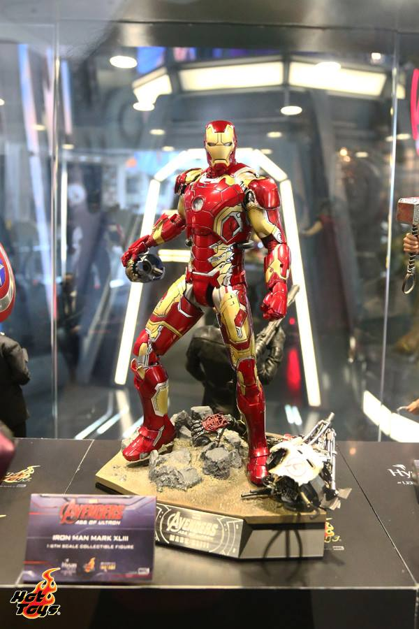 hot-toys-avengers-age-of-ultron-exhibition-17
