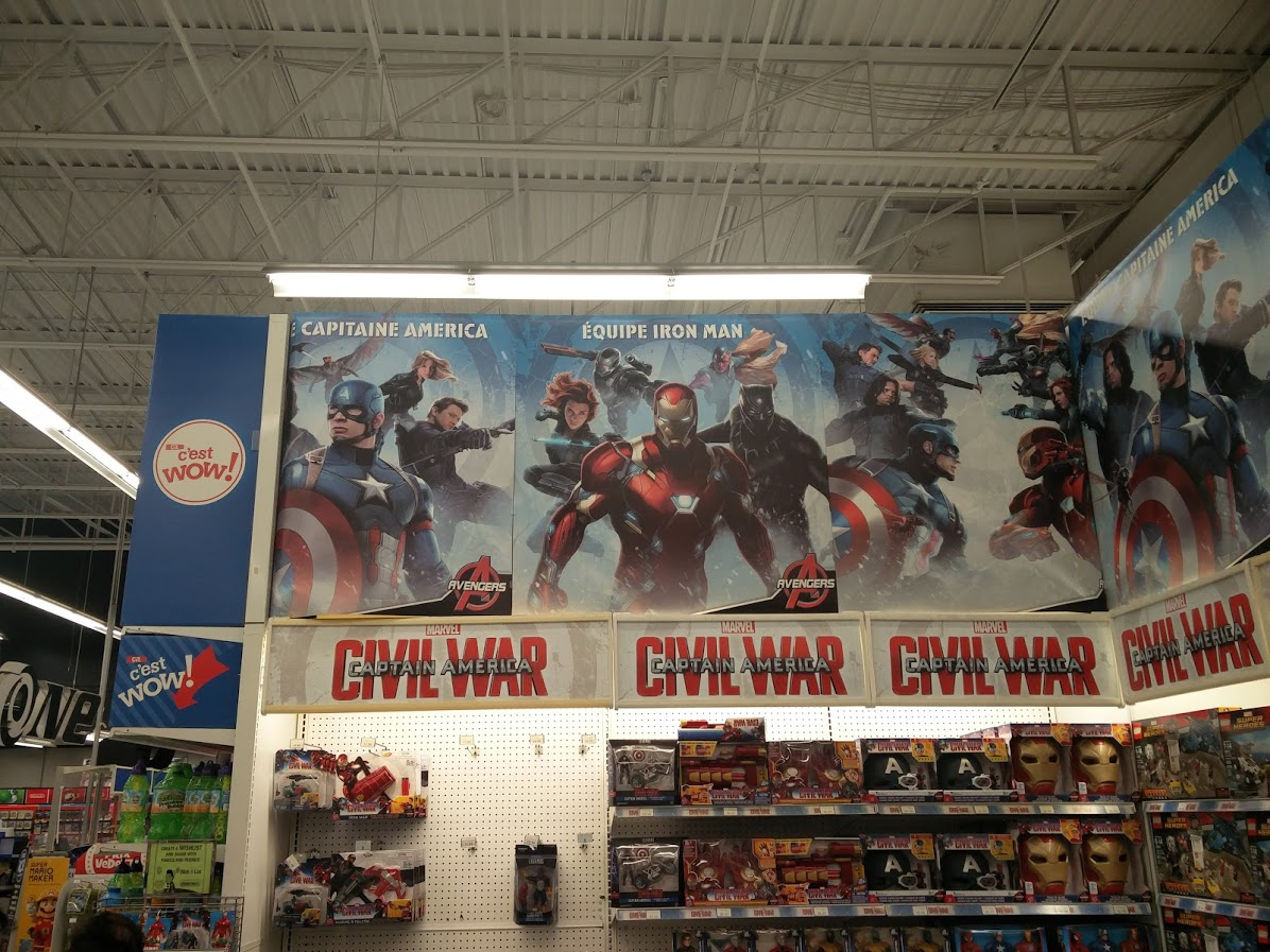 captain-america-toys-r-us-display-1