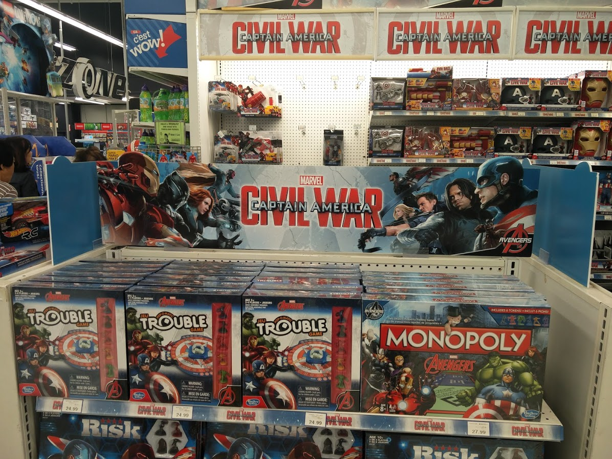 captain-america-toys-r-us-display
