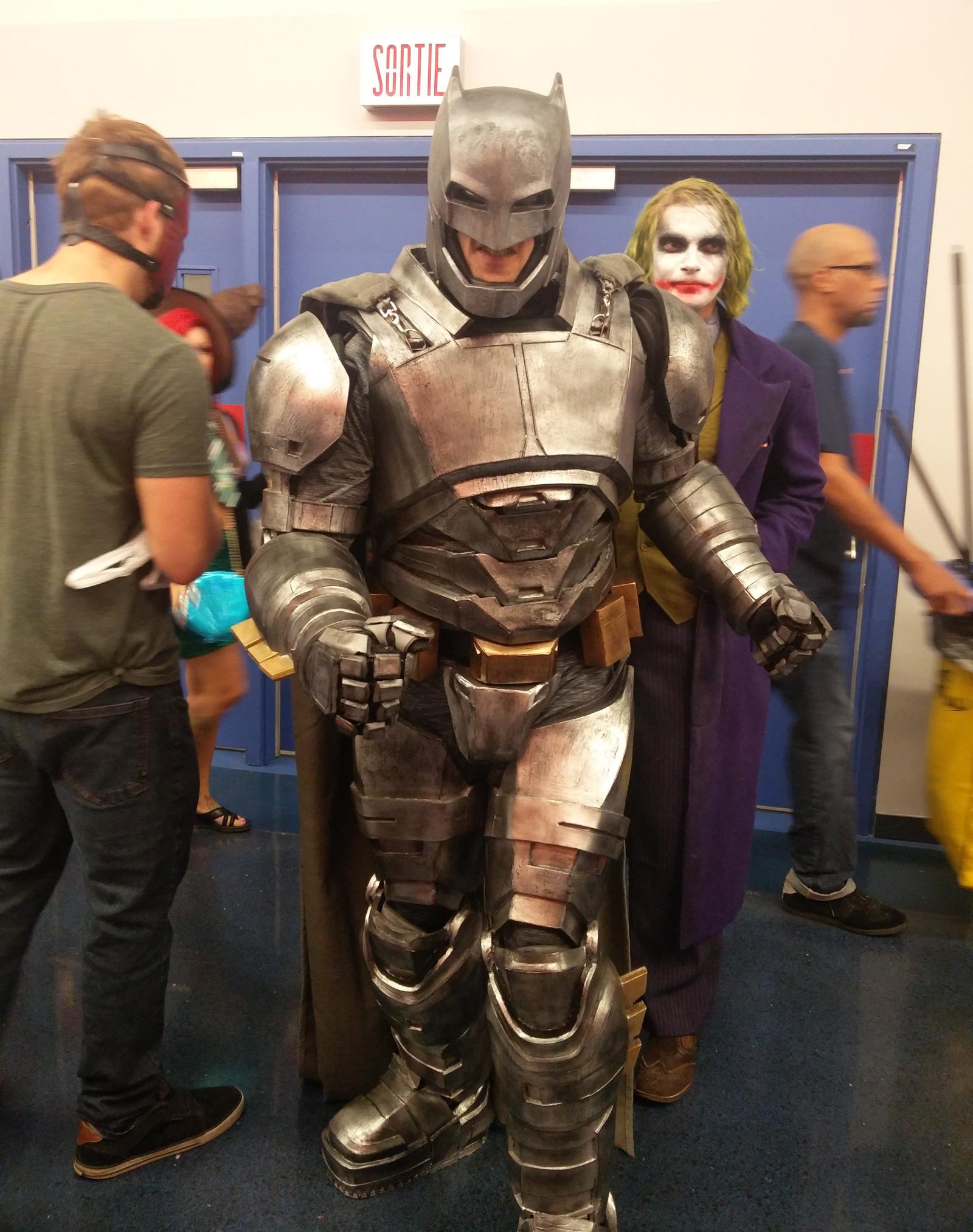 montreal-comiccon-2016-batman-costume